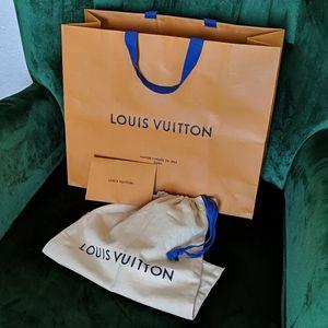 Louis Vuitton shopping bag + dust bag + envelope